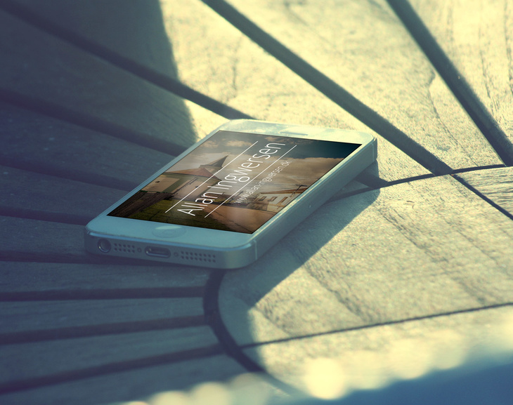 Free PSD iPhone Mockup