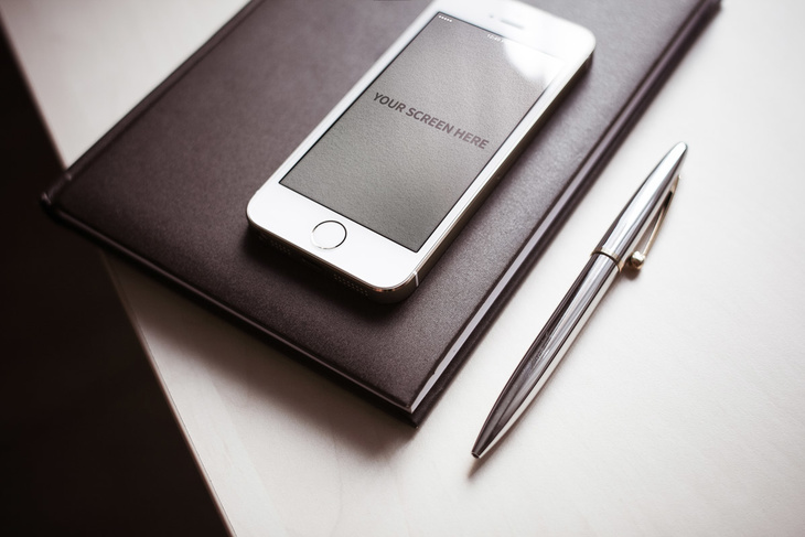 3 iPhone Photorealistic Mockups