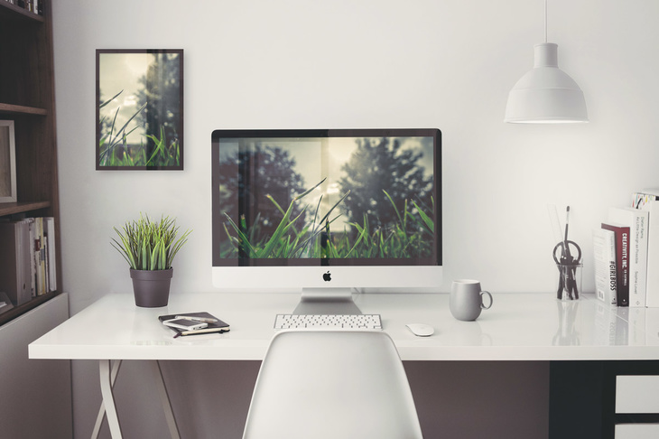 Free iMac Home Office PSD Mockup