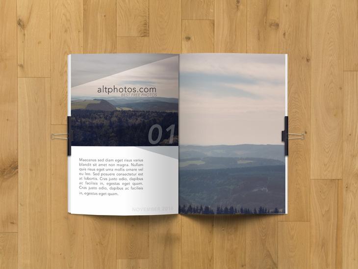 5 Free Magazine PSD Mockup