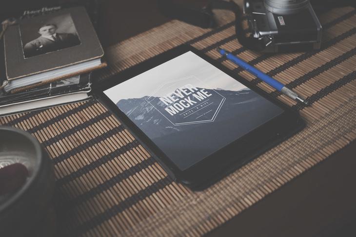 Free iPad PSD Mockup